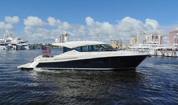 Used 50 Tiara Yachts 2014 Express Yacht for Sale