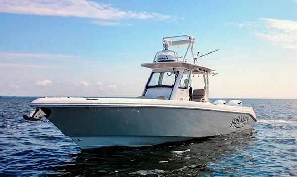 Used 32 Everglades Boats 325 Center Console for Sale