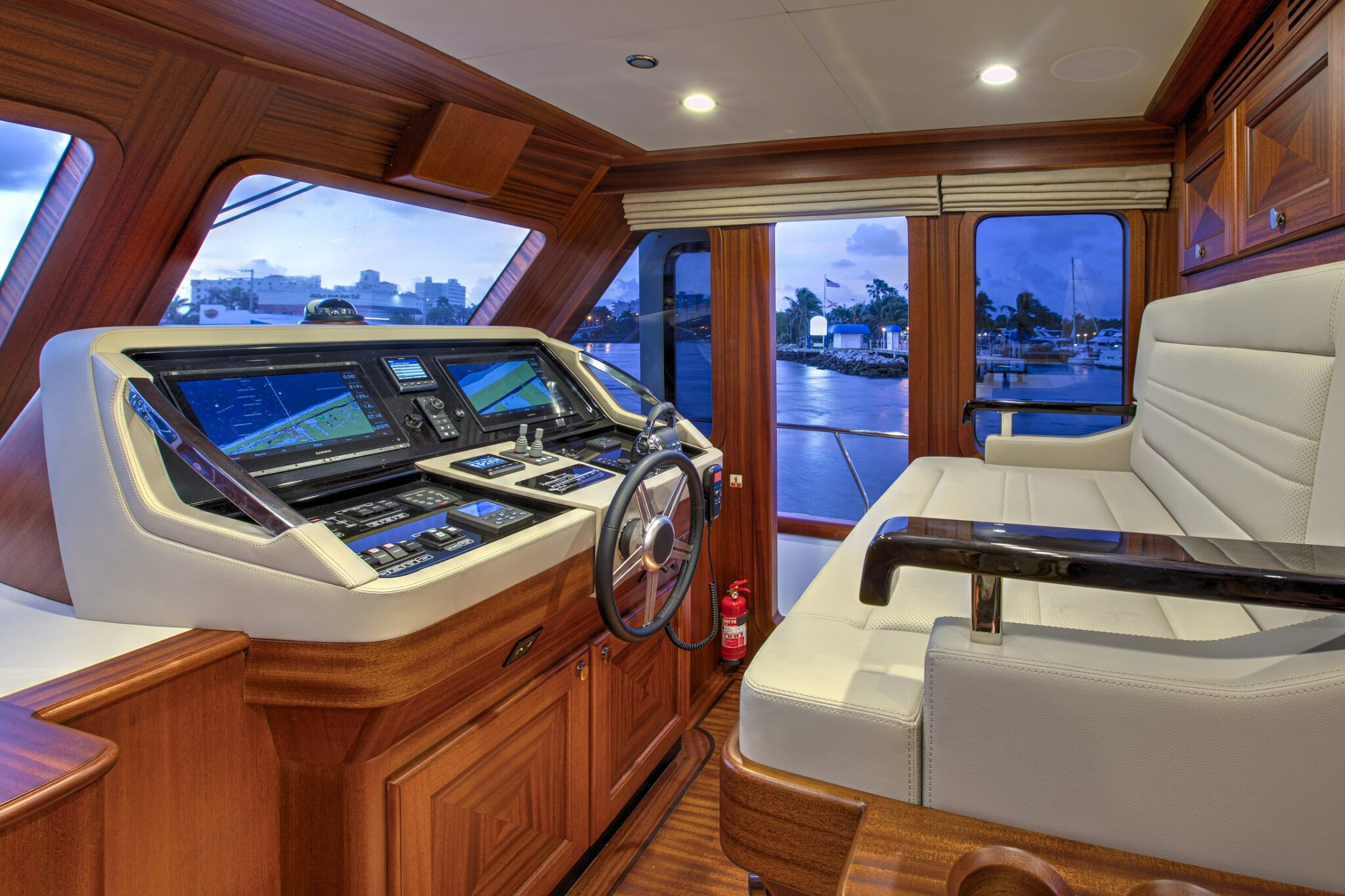 67 Vicem Cruiser for sale Flagler Yachts Lower Helm
