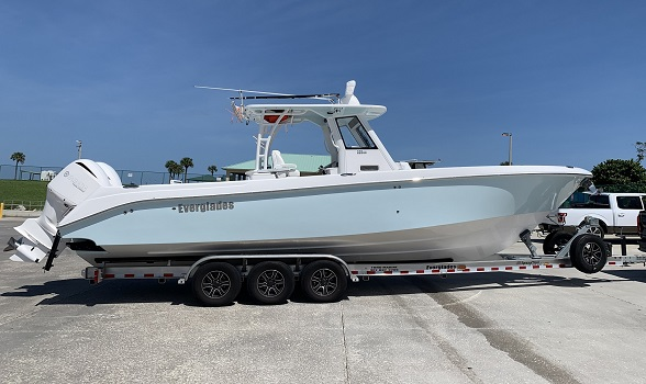 32 Everglades 2017 325CC center console for sale Flagler Yachts