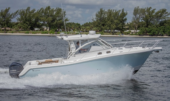33 Edgewater 2013 Stbd Running Profile Flagler Yachts Website 588x350 Image